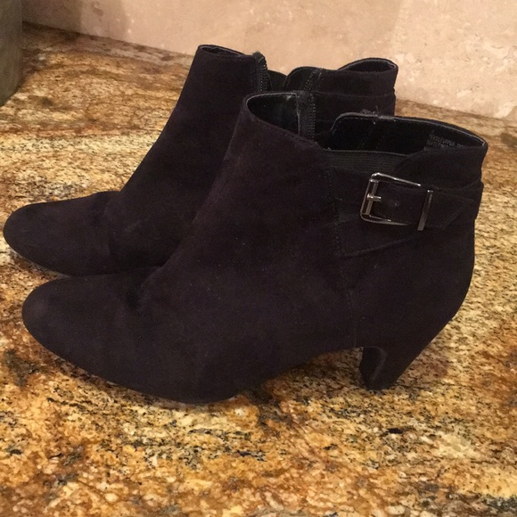 Sam & Libby Shoes - Sam & Libby booties (Suede)